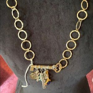 New without tags boutique necklace